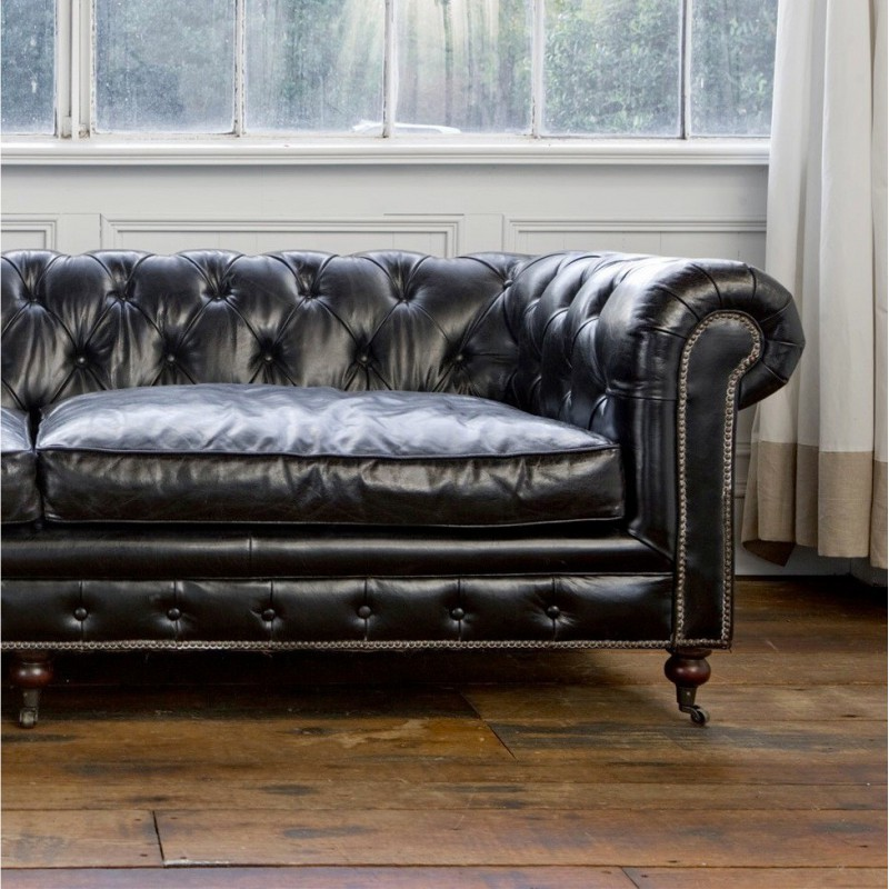 canap chesterfield en cuir noir vintage capitonn trois. Black Bedroom Furniture Sets. Home Design Ideas