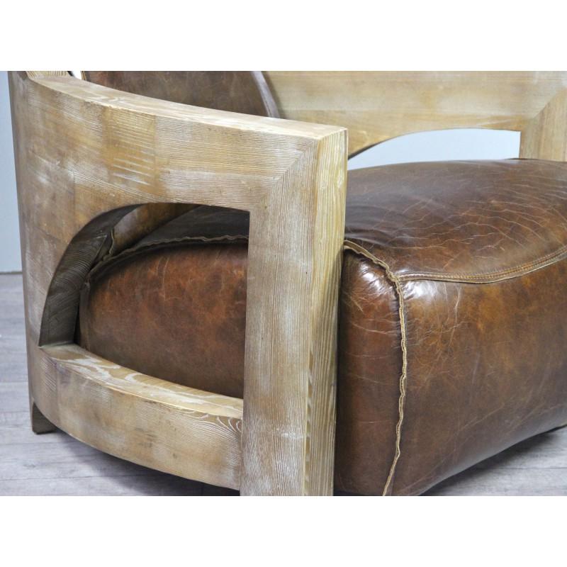fauteuil club cuir marron patin vintage avec accoudoirs en bois. Black Bedroom Furniture Sets. Home Design Ideas