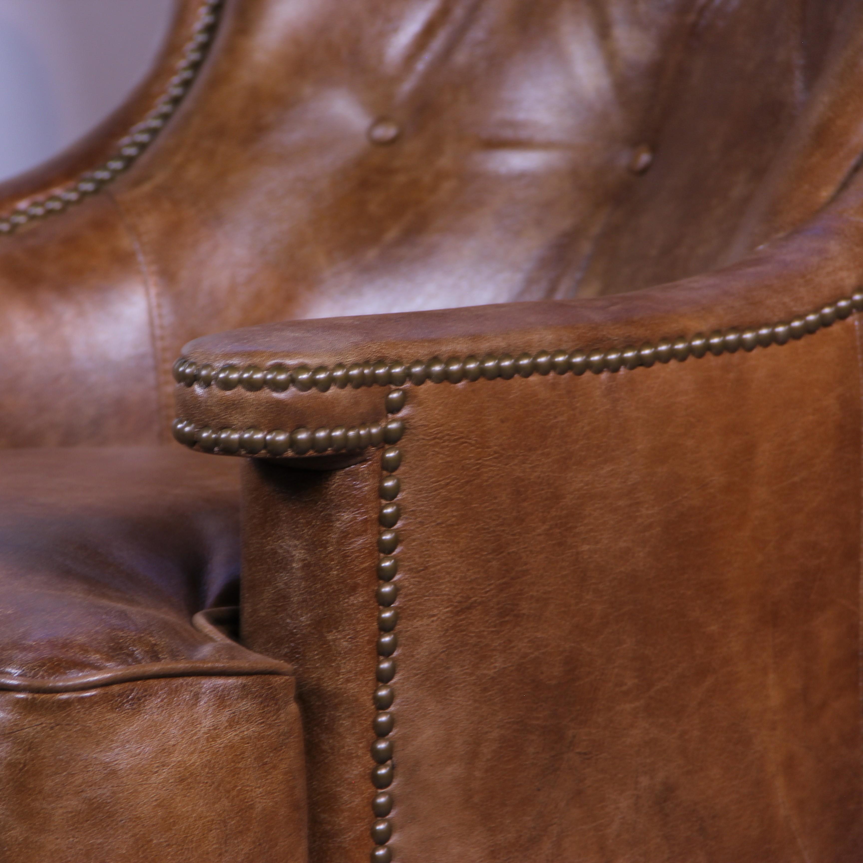 sofa chesterfield set mit zwei braunen ledersesseln vintage patina. Black Bedroom Furniture Sets. Home Design Ideas