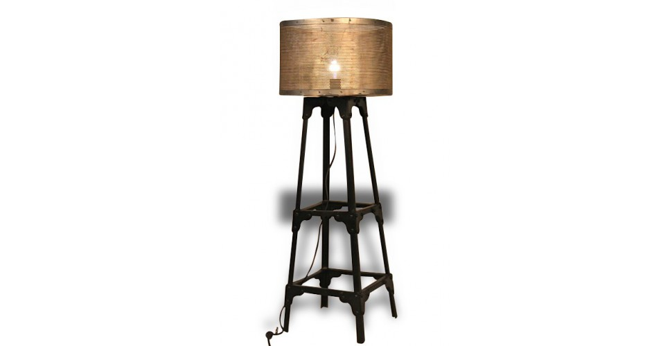 lampe sur pied m tal antique style industriel avec syst me lectrique. Black Bedroom Furniture Sets. Home Design Ideas
